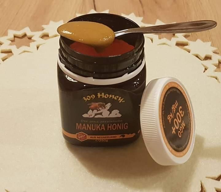 Manuka Honig, Glas mit Loeffel